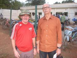 Gilles Bienvenue au Mali en compagnie de Pascal Jeannin ancien gardien de but d'Angers SCO et ami de Gilbert Coulon